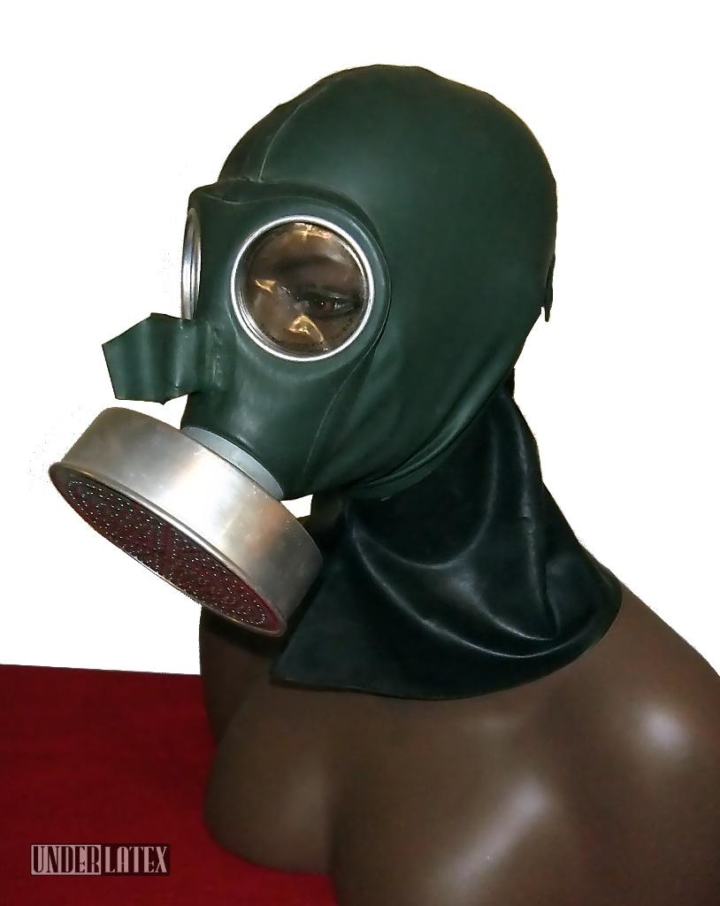 Deutsche Volksgasmaske komplette kopfhaube aus oliv grünem Gummi