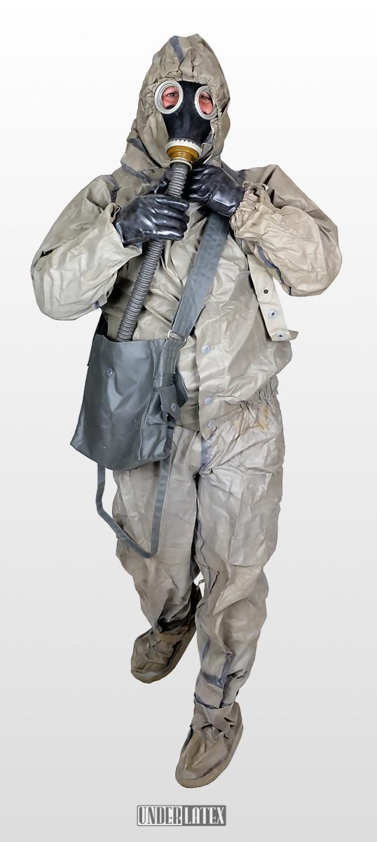 zweiteiliger NVA Schutzanzug SBA2 gummiert