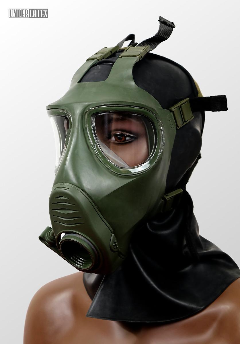 grüne Gasmaske M2000 aufgesetzt von vorn