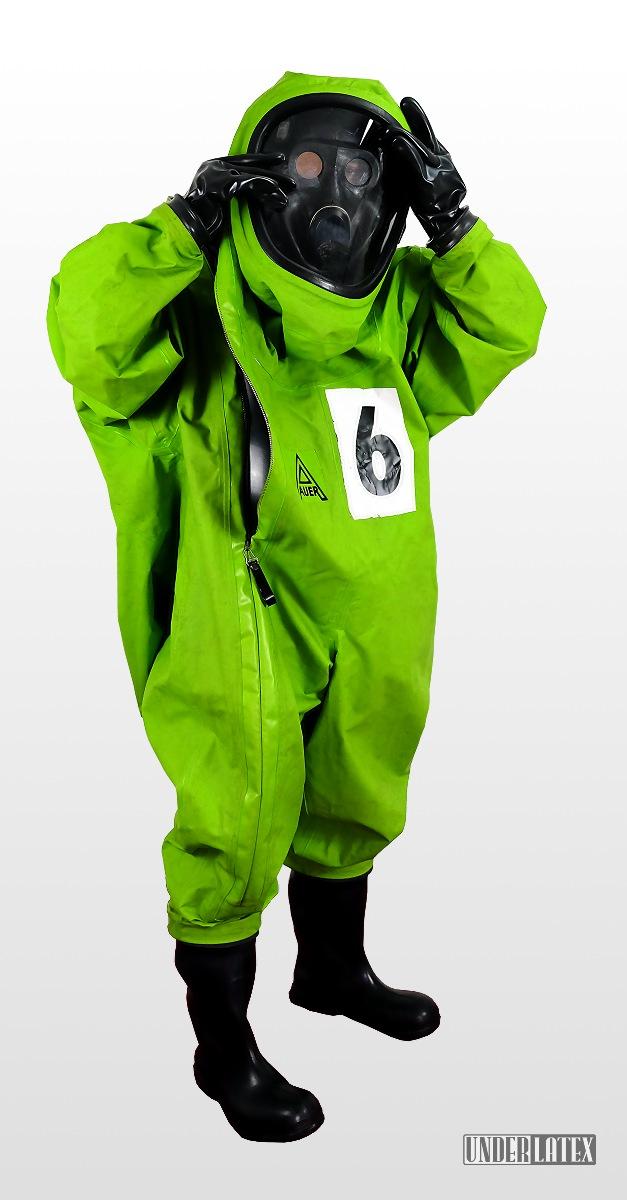 Auer CSA Schutzanzug Vautex SL grün voll angezogen mit Gasmaske PBF
