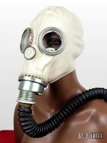 Polnische Gasmaske MUA des Zivilschutzes Gummi grau mit schwarzem Faltenschlauch aus Gummi