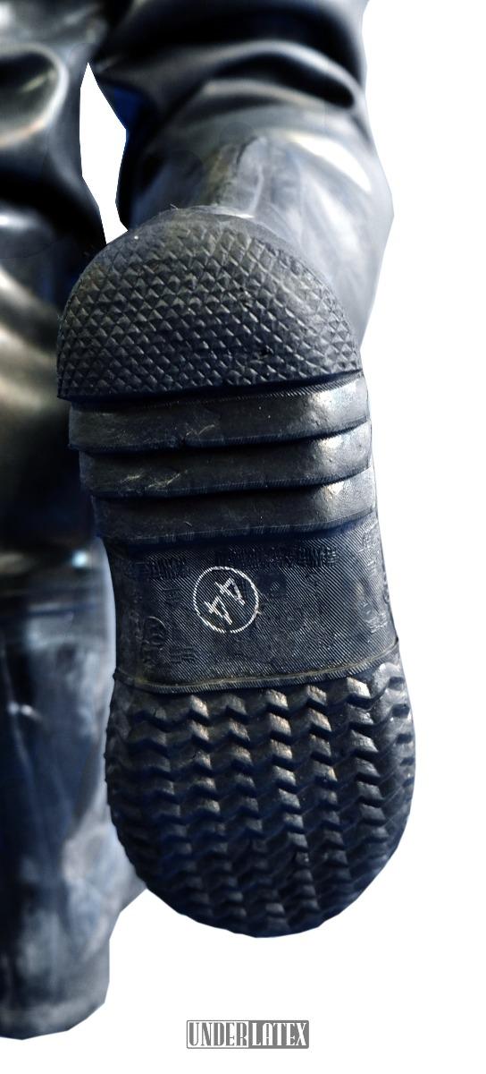 Heavy Rubber schwarzer Gummi Watoverall mit Rubberboots 1,2mm Details der Stiefel